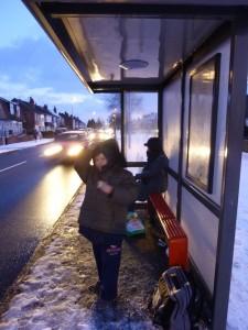 冬のイギリスでのポスティングは過酷