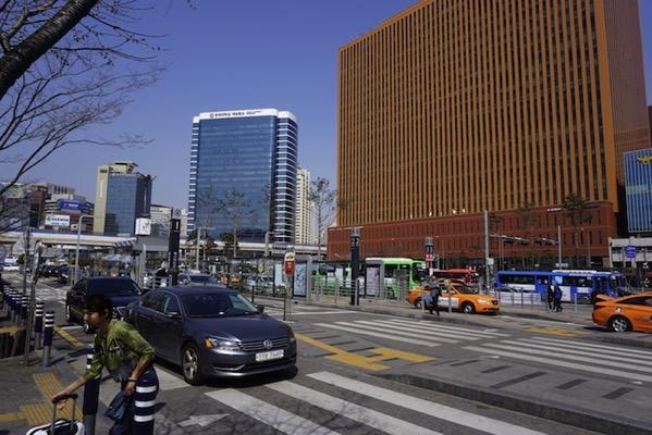ソウル駅前のバスロータリー