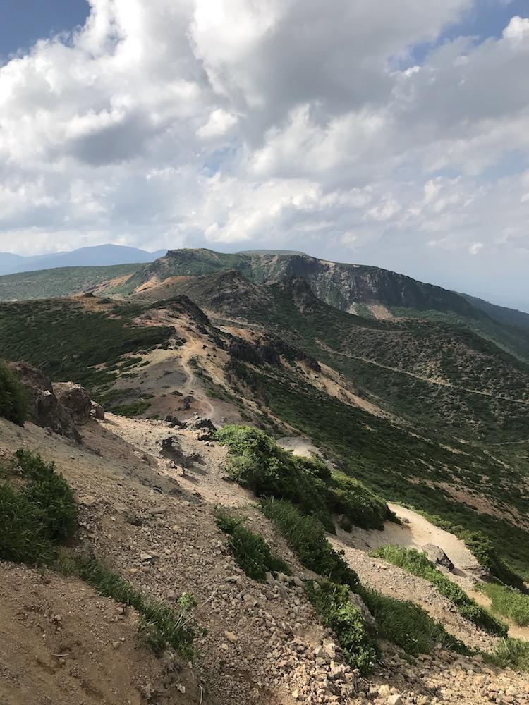安達太良山の山頂からの眺め