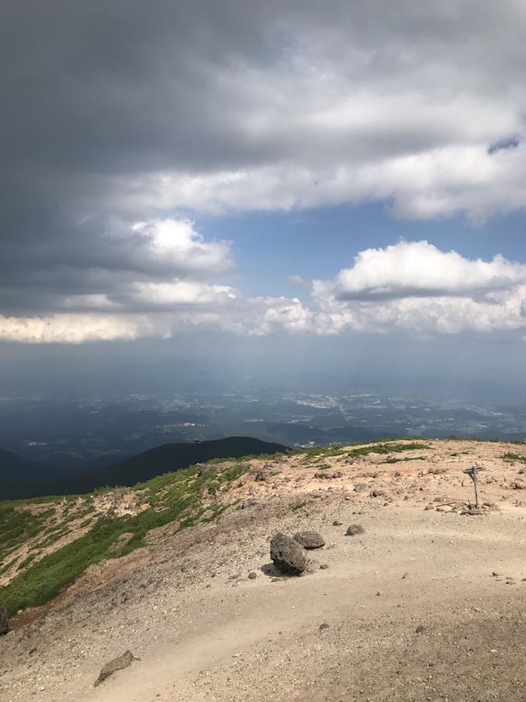 安達太良山の山頂からの眺め2